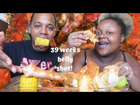 king-crab-legs-+-giant-prawns-drenched-in-sauce-+-39-week-belly-shot!
