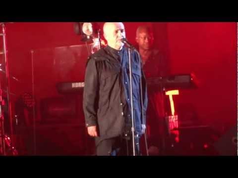 Peter Gabriel Playing Biko  in HD