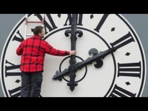Clock changes: EU backs ending daylight saving time