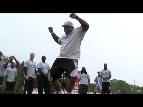 Mike Tolbert in Dance Off