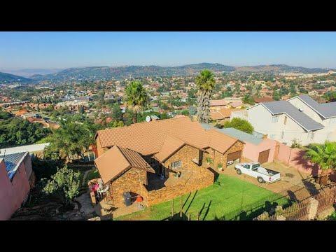 2 Bedroom House for sale in Gauteng | Johannesburg | Johannesburg South | Ridgeway | 13 |