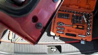 Как снять задний фонарь с крышки багажника Kia Ceed JD SW