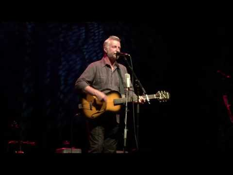 billy bragg: accident waiting to happen