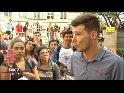 Group of University of Texas students hold controversial bake sale | Austin, TX 10/2016
