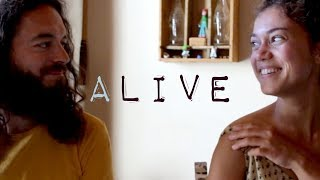 'Alive' by Maaike accompanied by Frederik Petzoldt