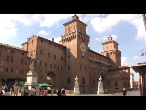 Ferrara Italy • Ferrara Tour Including the Castello Estense in Ferrara Italia