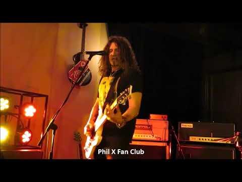 Phil X in Kitchener Dec. 1, 2017 song #3 Fairies