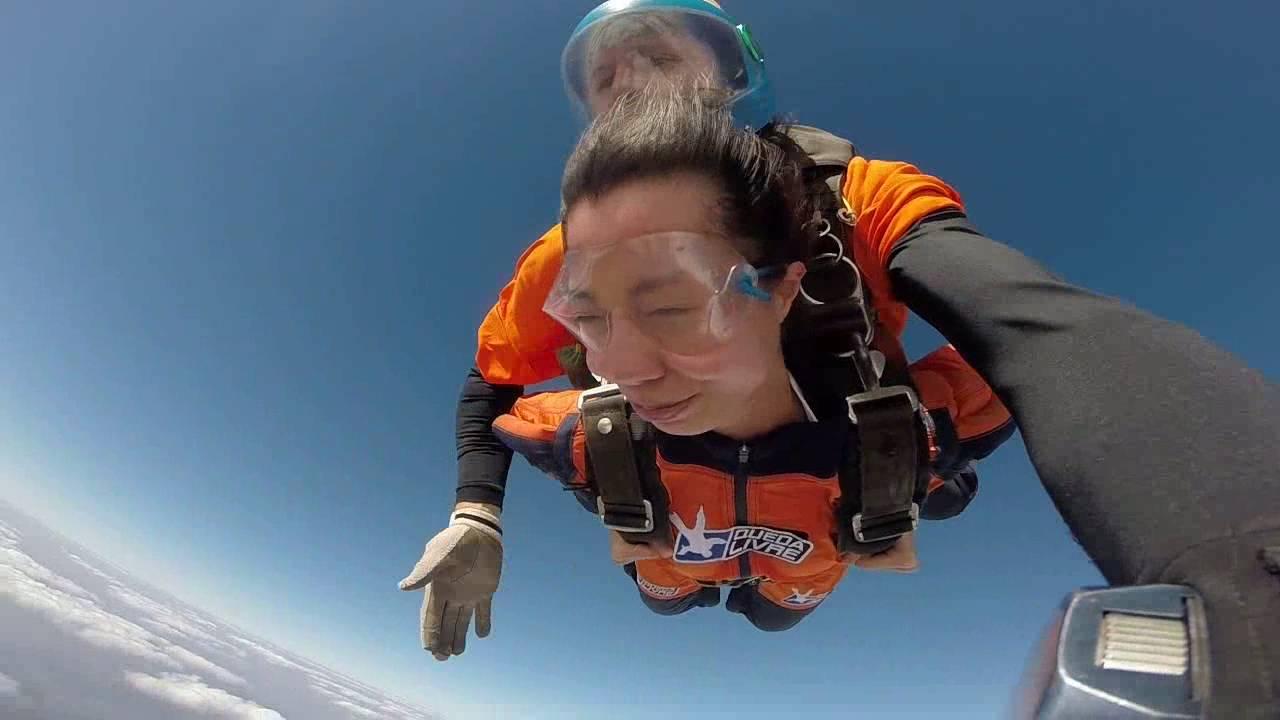 Salto de Paraqueda da Weiki Zhao na Queda Livre Paraquedismo 31 07 2016