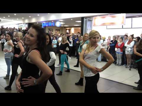 Flash Mob Walmer Park Shoping Center Port Elizabeth 7 July 2012 [HD]
