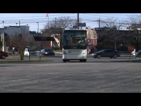 Hoosiers arrive at Memorial Coliseum ahead of Fort Wayne game