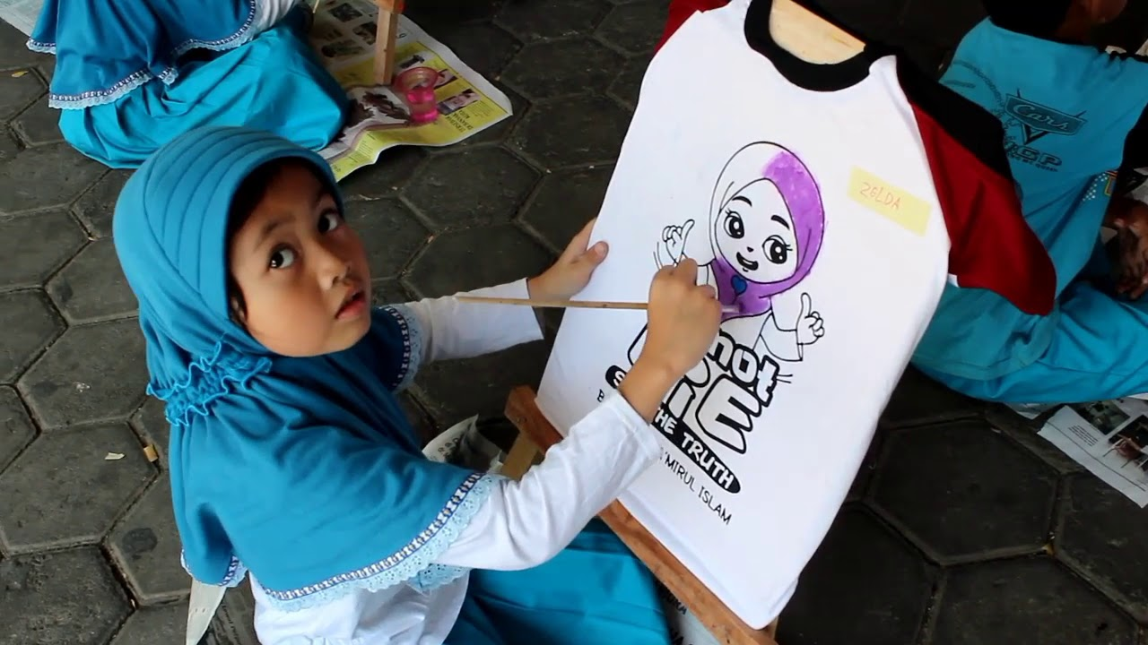 Mewarnai Kaos Karakter Islami Puncak Tema Kegemaranku Kelas 1 K13