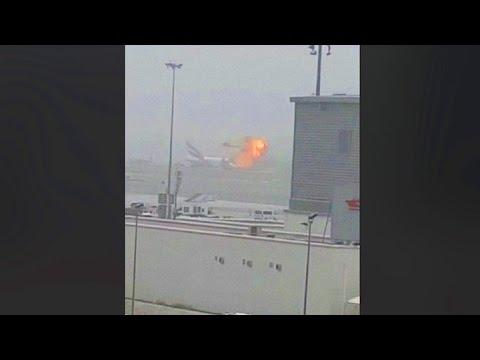 Dubai: se incendió un avión de Emirates tras un aterrizaje de emergencia