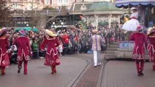 Disneyland Paris Walking with the Parade