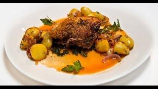Томленая баранья нога с крапивным соусом | Мясо. От филе до фарша