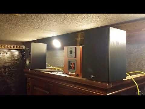 Unbox and test Polk Audio's T15 Bookshelf Speakers. Yard Sale for $10.00!