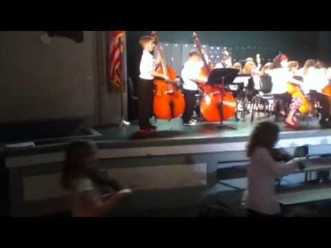 Rutland intermediate school third grade orchestra