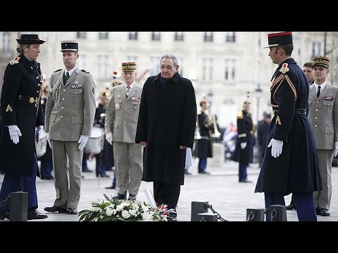 Küba Devlet Başkanı Castro Paris'te