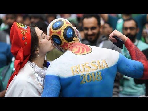 Футбол, сексизм и беженцы