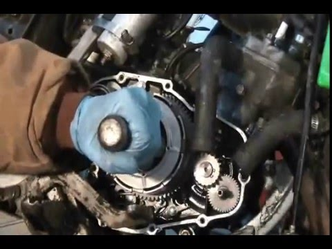 Kawasaki Kx80 clutch removal on