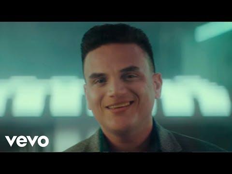 Смотреть клип Silvestre Dangond, Maluma - Vivir Bailando