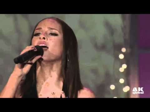 Alicia Keys (feat. Tim McGraw) - Happy Christmas (War Is Over) live HD