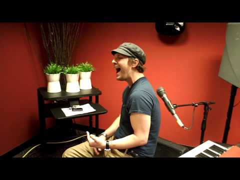 GAVIN DEGRAW SERENADES ME  SAM COOKE NOTHING CAN CHANGE THIS LOVE