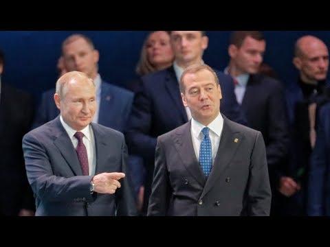 Путин подвинул Медведева