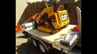 RC truck Bruder RC track loader