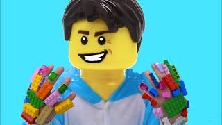 Bogdan are mainile si fata LEGO   Sketch   Video pentru copii