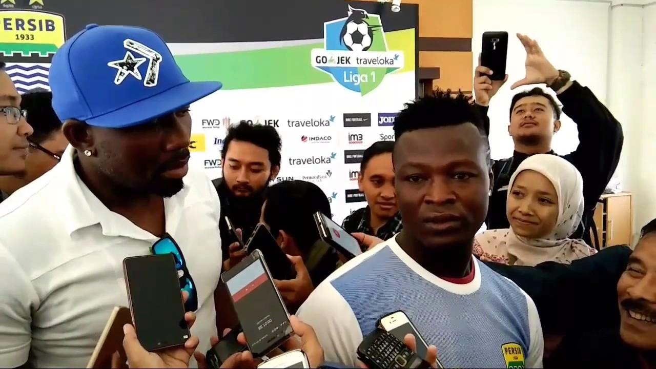 Persib Bandung Resmi Kontrak Ezechiel Ndouassel - YouTube