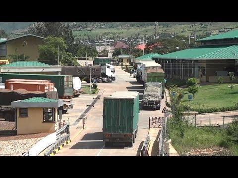 KATUNA- KIGALI ROAD COLLAPSES, TRUCKS TO USE MIRAMA OSBP