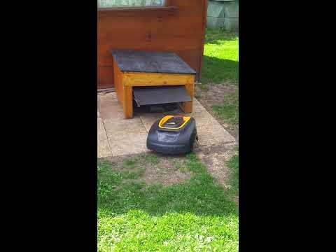 Garage Pour Robot Tondeuse MCCULLOCH Rob800