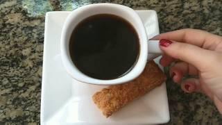 Café simples e gostoso no coador de pano