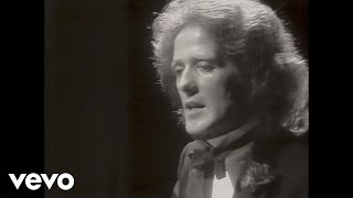 Gilbert O'Sullivan - What's in a Kiss (Official Video)