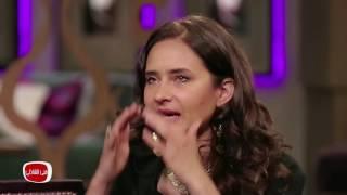 لحظة بكاء نيللي كريم خلال ظهورها مع منى الشاذلي
