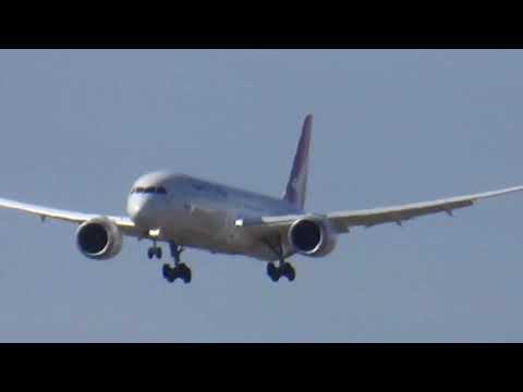 Qantas Boeing 787-9 arrival into Melbourne as QF94