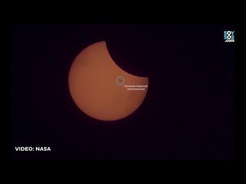 Paso de la Estación Espacial internacional durante el eclipse