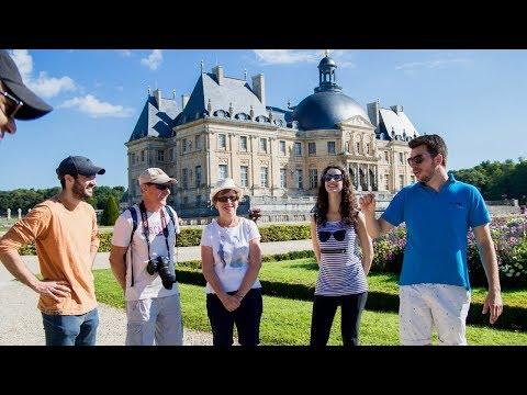 Fontainebleau & Vaux-le-Vicomte Castles from Paris - Blue Fox Travel