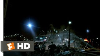 Cloverfield (2/9) Movie CLIP - Brooklyn Bridge Collapse (2008) HD