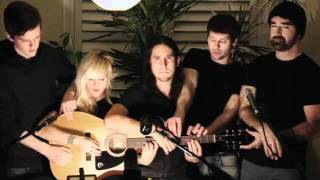 Somebody That I Used To Know - 5 người cùng chơi Guitar