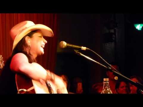 Terri Clark - Girls Lie Too