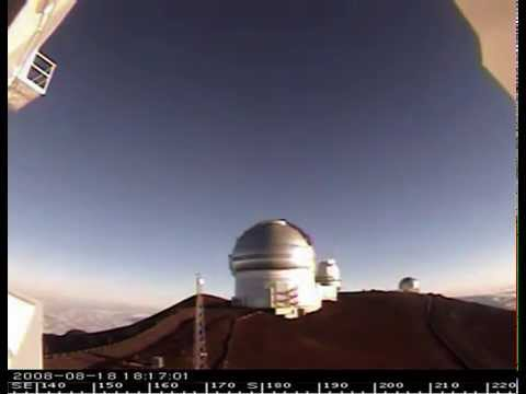 2008-08-19 A moving laser telescope at Hawaii, timelapse