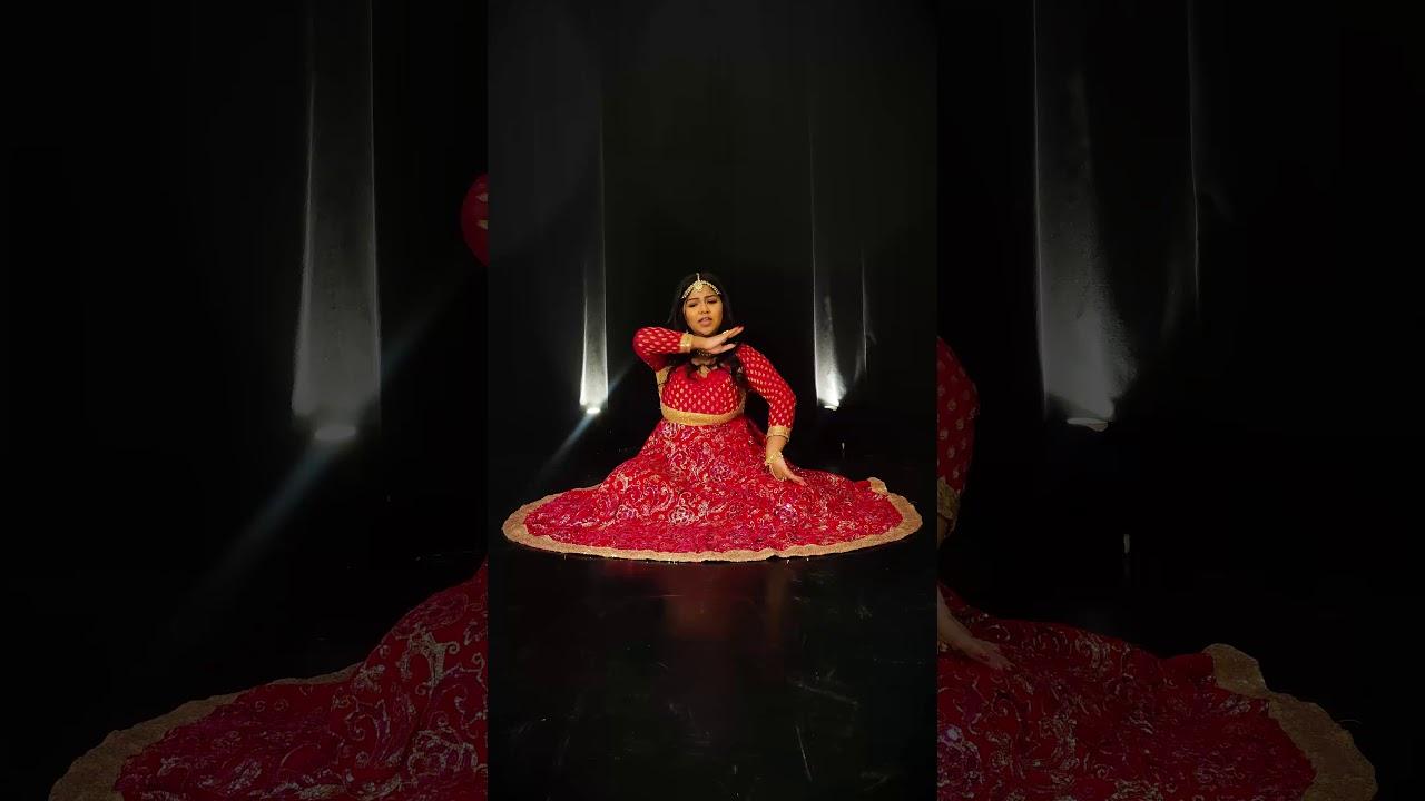 Chhor Denge   Nora Fatehi   Sit Down Dance   YouTube Shorts   Sanjana Parulekar