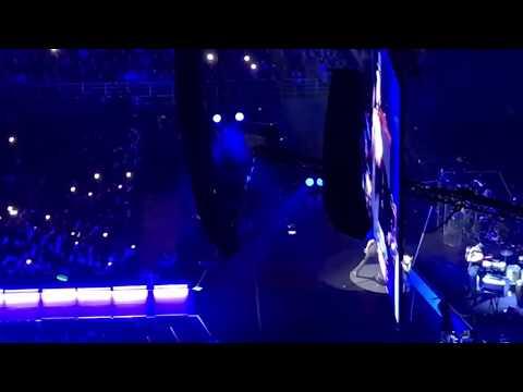 Enrique Iglesias - Subeme la radio (Live in Athens 2018)