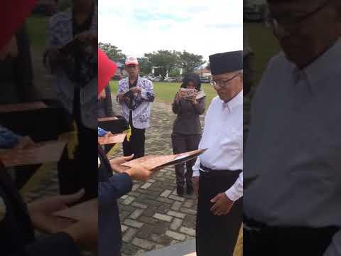 VIDEO: Bupati Luwu Utara Beri Penghargaan...