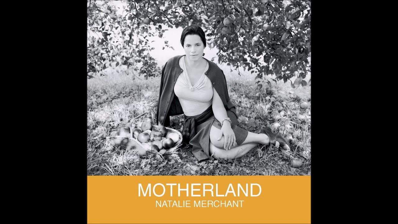 המלצה לאלבום פולק רוק שקט: Natalie Merchant - Motherland (2001)