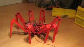 Robot Spider walks   Roboterspinne läuft