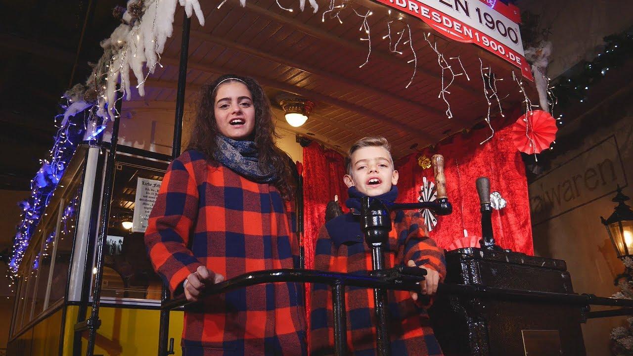 Sissi und Charlie Win - Feliz Navidad (Das Weihnachtslied 2017 ...
