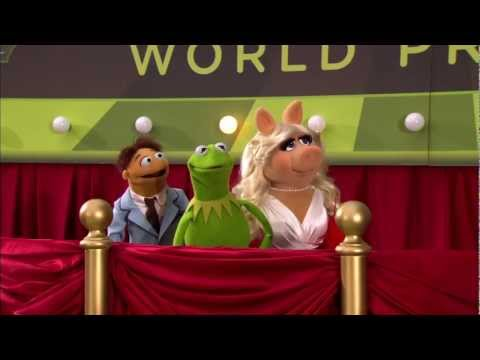 Walter, Kermit & Miss Piggy Interviewed At The Muppets