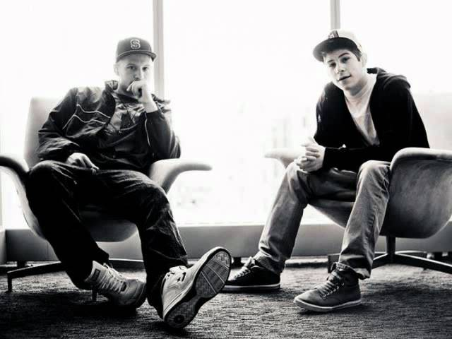 aer-water-on-the-moon-hiphopmusic011